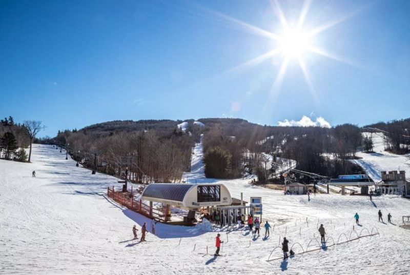 wachusett-mountain-lift-sunshine