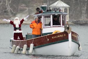 santa's arrival in rockport and tree lighting photo