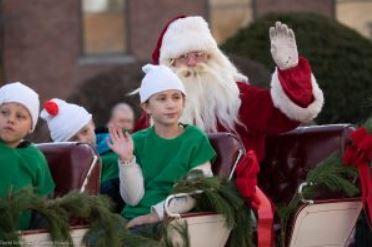 Maynard Christmas Parade 2021 52nd Annual Maynard Christmas Parade With Santa Local Guide