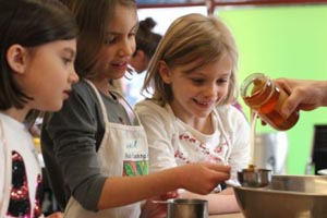 kids in the kitchen april vacation week 2019 photo